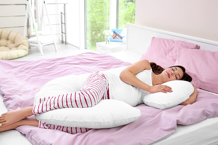 Sleeping Positions During Pregnancy 2