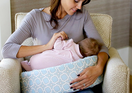 breastfeeding pillow for twins