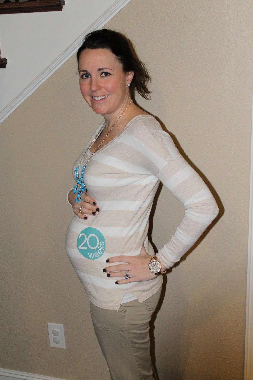 pictures of 5 months pregnant belly